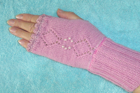 Pink fingerless gloves with pearl beads